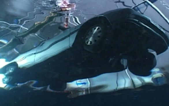 Top Gear 03-03: How to escape from a sinking car?