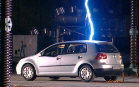 Top Gear 04-05: Richard gets struck by lightning in a car